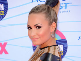 Demi Lovato To Be The Face Of Topshop?