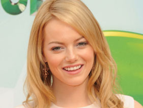 Emma Stone Receives MTV 'Trailblazer' Award!