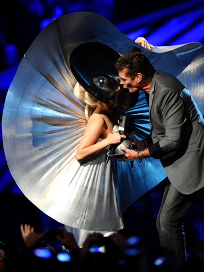 2011 MTV EMA Show - Lady Gaga jokes about David Hasselhoff's manhood as he presents her with the 'Best Female' award!