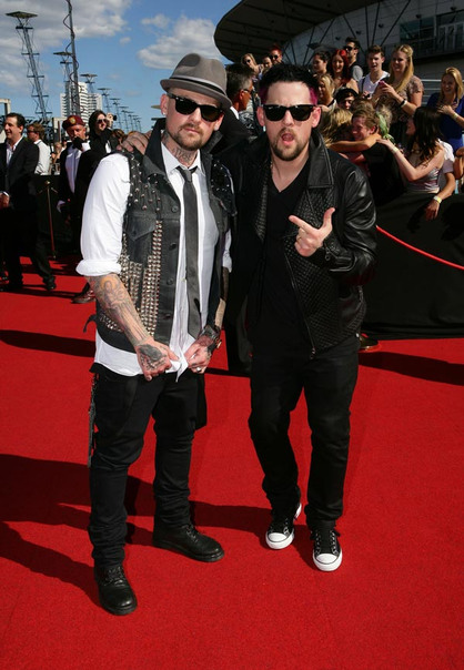 Photos | 25th ARIA Awards 2011 | Red Carpet - The Madden bros tell us how much they love Australia on the red carpet at the 25th ARIA Awards.
