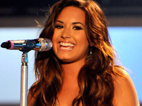 Celebs Wish Demi Lovato A Happy 20th Birthday!