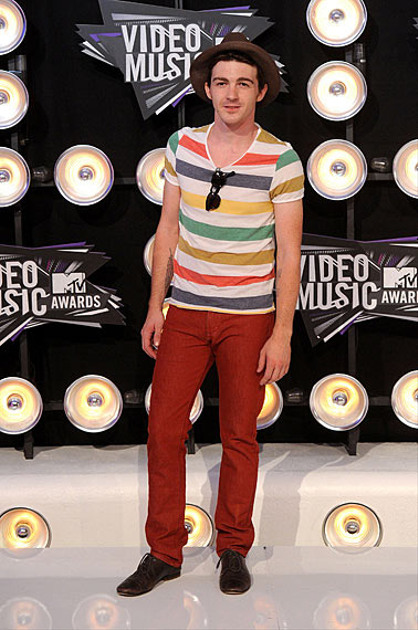 Photos | 2011 MTV VMAs | Fashion Recap - Fashion Recap : Drake Bell
