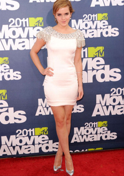 Photos | 2011 MTV Movie Awards | Red Carpet - Emma Watson in a thigh-skimming Marchesa gown.