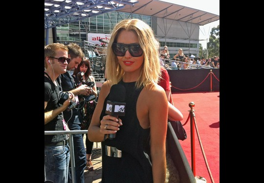 Photos | 25th ARIA Awards 2011 | Red Carpet