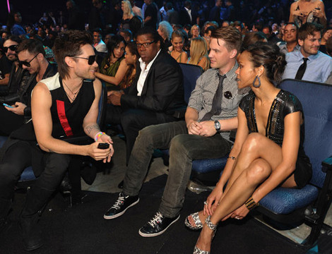Photos | 2011 MTV VMA | Backstage Moments - Backstage Moments : Jared Leto And Zoe Salanda