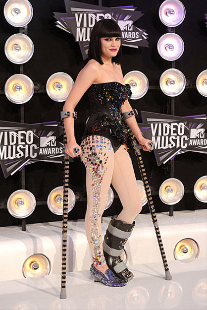 Photos | 2011 MTV VMAs | Fashion Recap - Fashion Recap : Jessie J