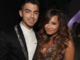 Demi And Joe Reunite!