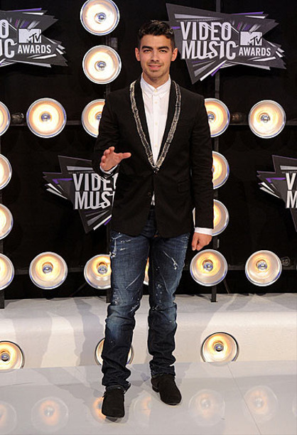 Photos | 2011 MTV VMAs | Fashion Recap - Fashion Recap : Joe Jonas