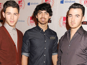 Jonas Brothers share their 2012 highlights!
