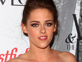 Kristen Stewart Wants Robert Pattinson For Snow White 2!