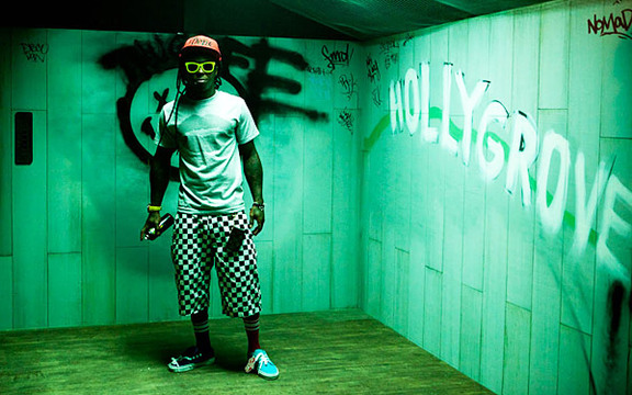 Photos | Behind The Scenes | Lil Wayne Promo Shoot - Lil Wayne at the 2011 VMA promo shoot.