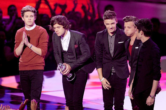 2012 MTV VMA - Winners - One Direction | Best New Artist for 'What Makes You Beautiful'!