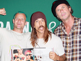 Red Hot Chili Peppers To Hit Australia!